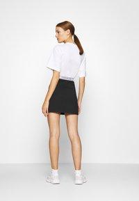 Calvin Klein Jeans - LOGO MILANO MINI SKIRT - Minisukně - black - 2