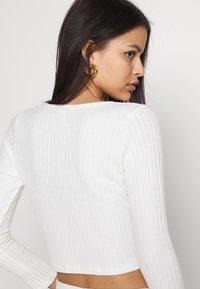 Topshop - COSY BRUSHED RIB  - Langærmede T-shirts - winter white - 3