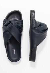 Filippa K - BREA  - Pantofle - navy - 3
