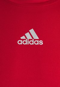 adidas Performance - TECH FIT - Funktionstrøjer - team power red - 4