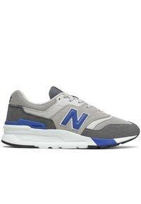 New Balance - CM997HVA - Zapatillas - black/grey - 3