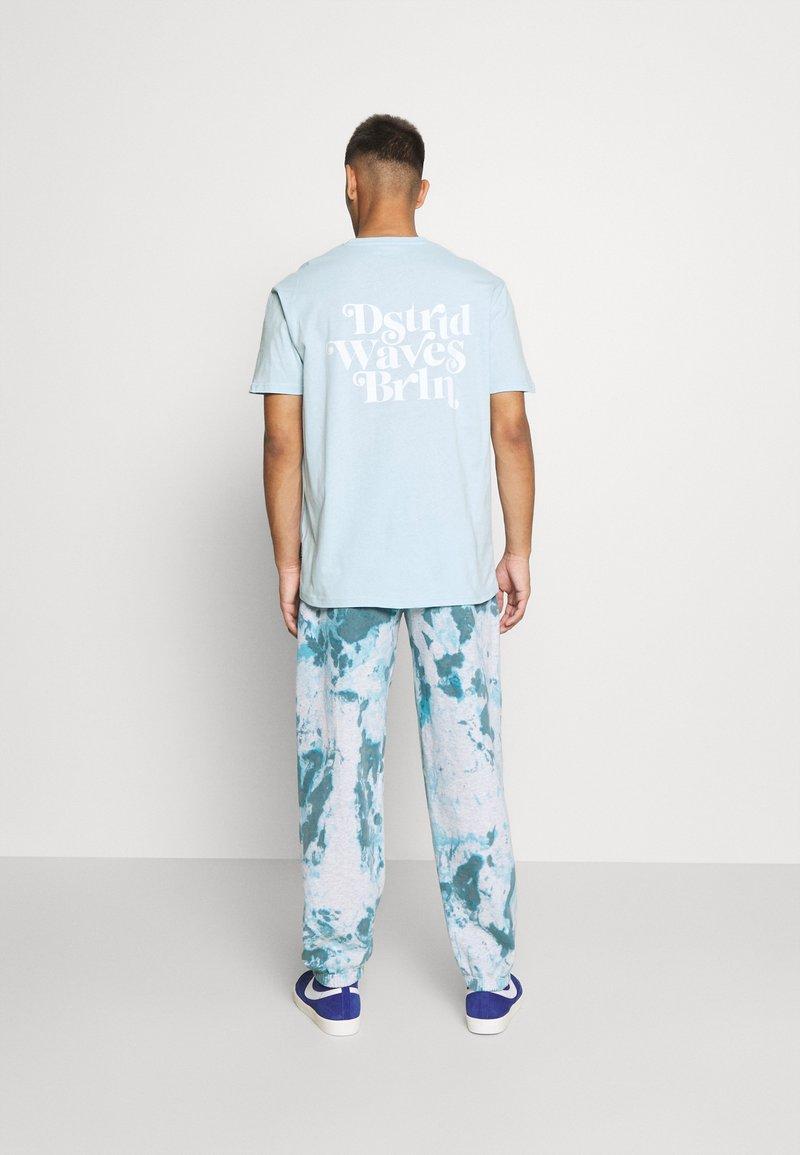 YOURTURN - UNISEX - T-shirt med print - light blue