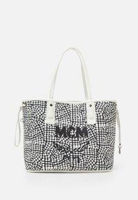 MCM - SHOPPER PROJECT VISETOS MEDIUM SET - Tote bag - white - 5