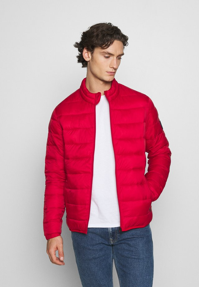 JJEMAGIC PUFFER COLLAR  - Light jacket - tango red