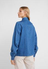 CLOSED - DANNI - Blouse - mid blue - 2