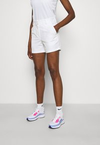Nike Golf - DRY FIT VICTORY SHORT - Sports shorts - white - 0