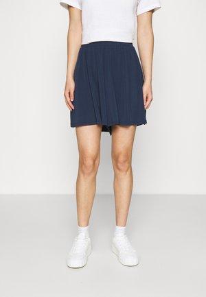VMHAIDY - Shorts - navy blazer