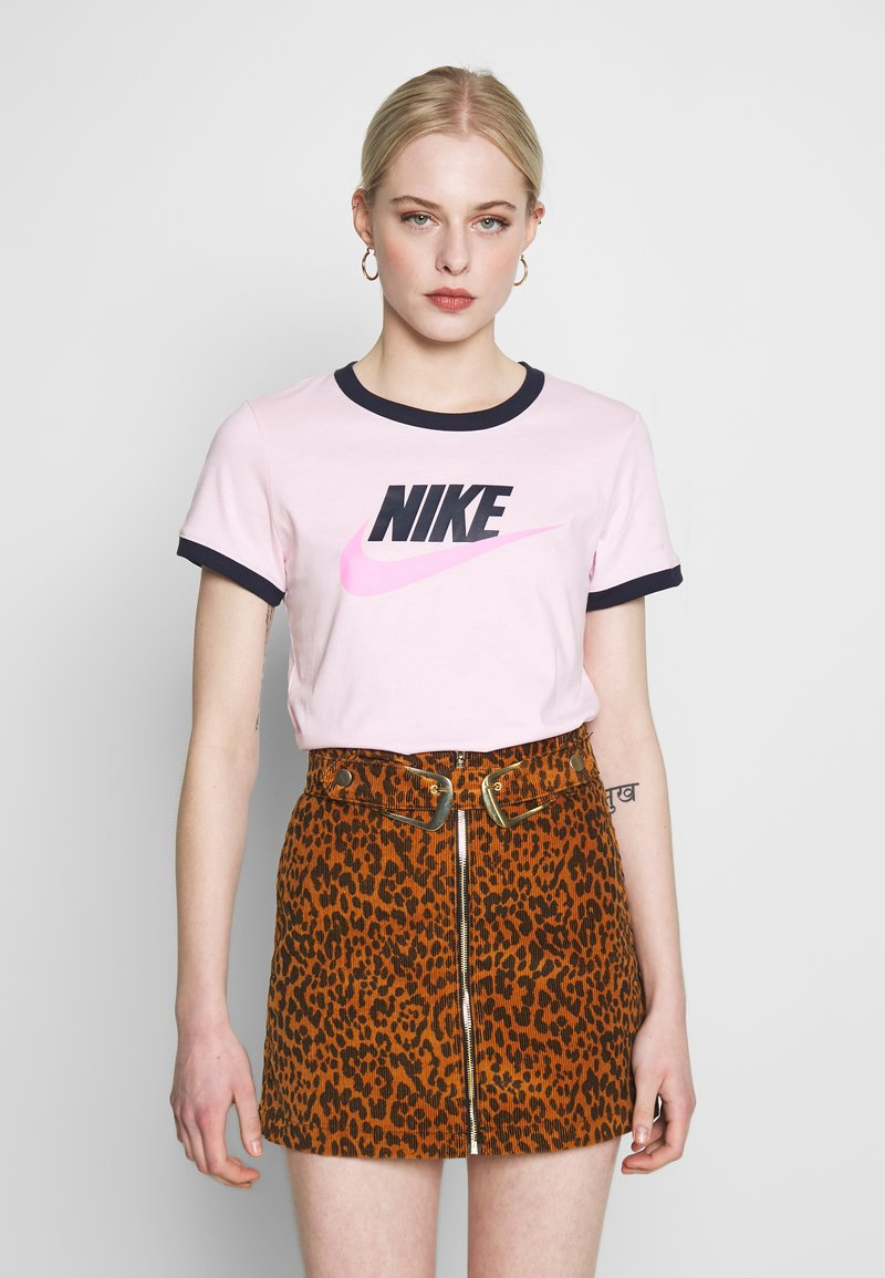 Nike Sportswear - TEE FUTURA RINGER - Printtipaita - pink foam/obsidian