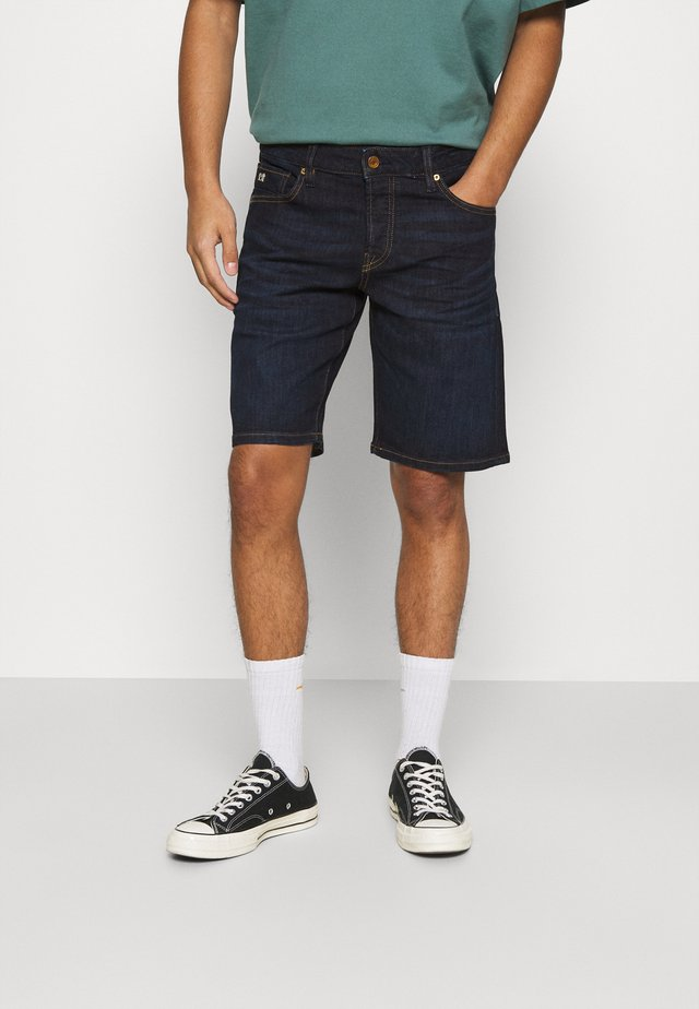 Denim shorts - beaten back