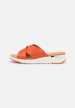 SLIDES - Sandaler - orange