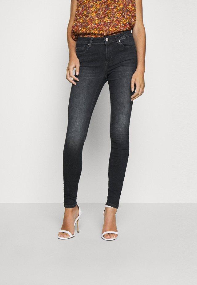 ONLSHAPE LIFE - Jeans Skinny Fit - black denim