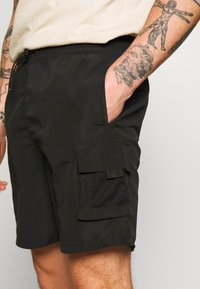 Bellfield - POCKET  - Shorts - black - 4