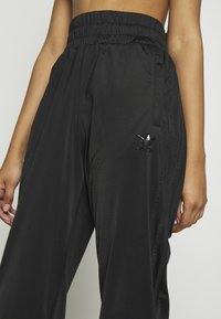 adidas Originals - Pantalon de survêtement - black - 4