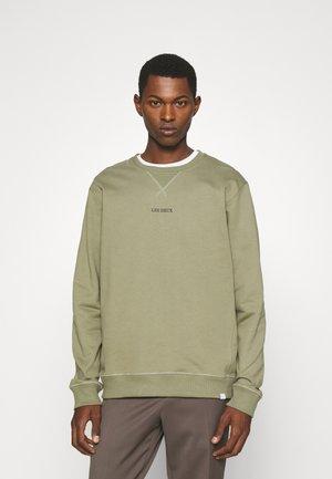 LENS - Sweater - lichen green/black