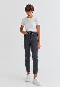 PULL&BEAR - Jeans Relaxed Fit - light grey - 1