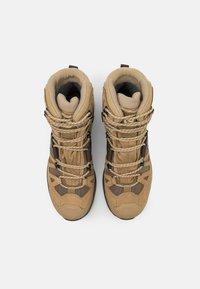 Salomon - QUEST 4 GTX - Hiking shoes - kelp/wren/bleached sand - 3