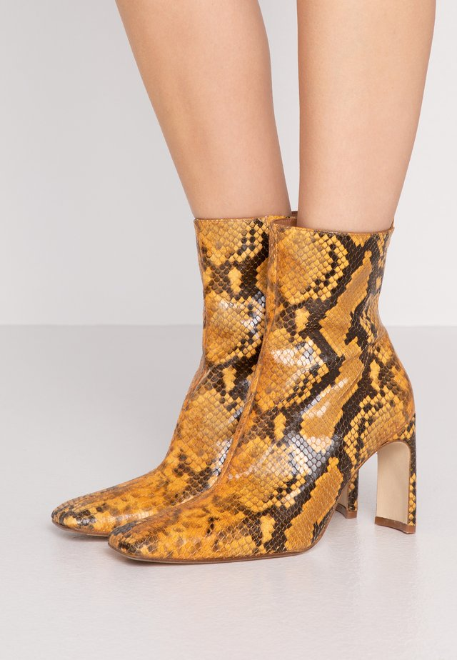 MARCELLE - High heeled ankle boots - honey