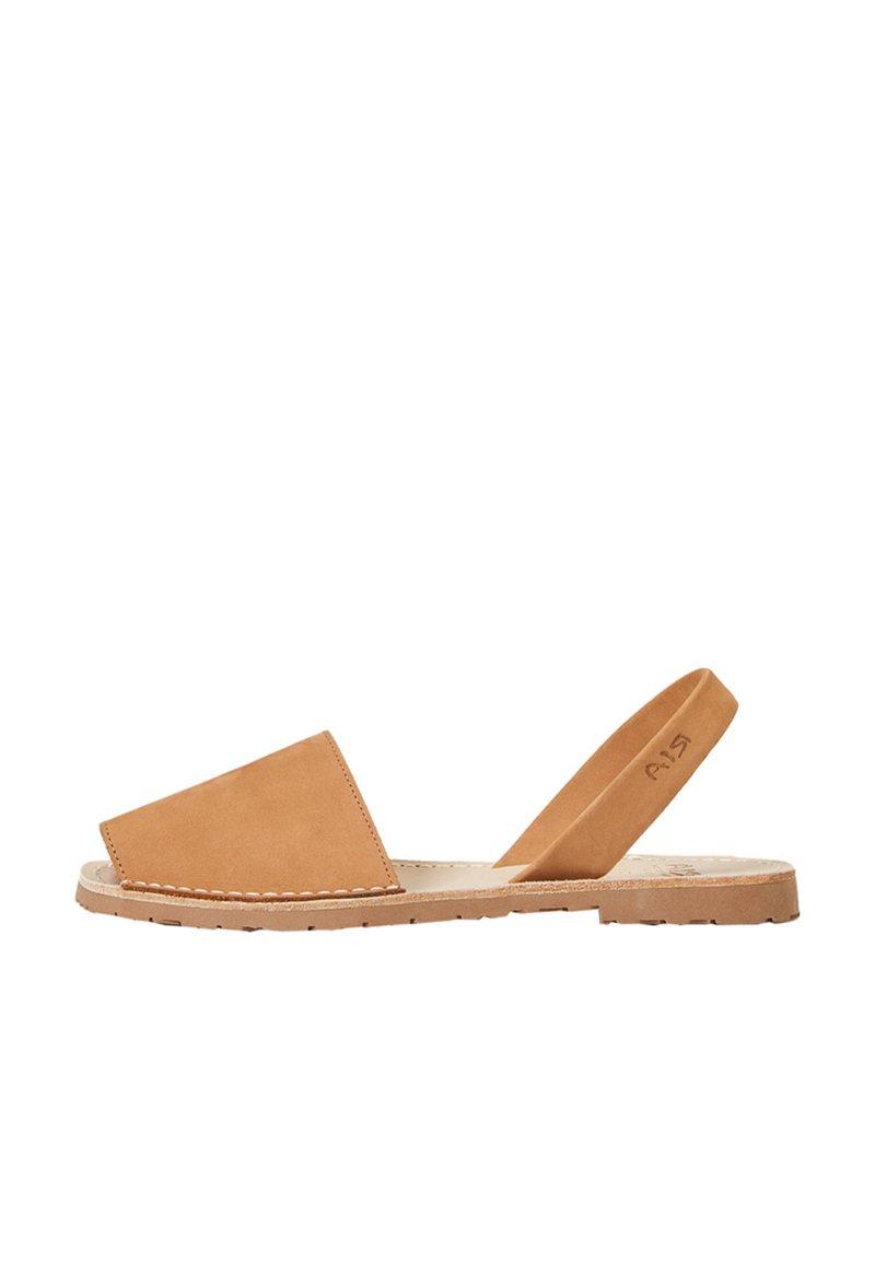 OYSHO - RIA MENORCA  - Sandalen - brown