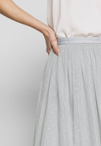 Needle & Thread - KISSES MIDI SKIRT - A-line skirt - blue diamond - 4