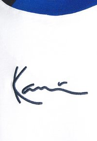 Karl Kani - SMALL SIGNATURE BLOCK TEE - Print T-shirt - white - 6