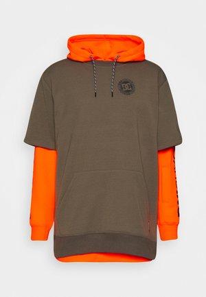 DRYDEN - Hoodie - shocking_orange
