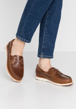 CAMDEN FALLS - Boat shoes - mid brown