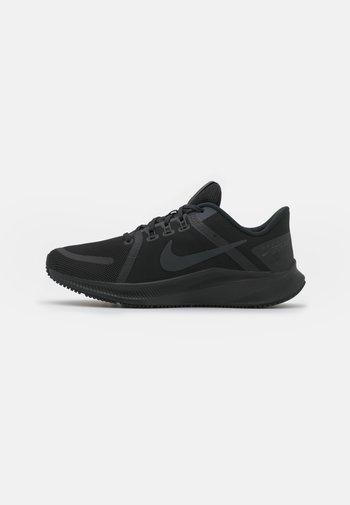 QUEST 4 - Obuwie do biegania treningowe - black/dark smoke grey