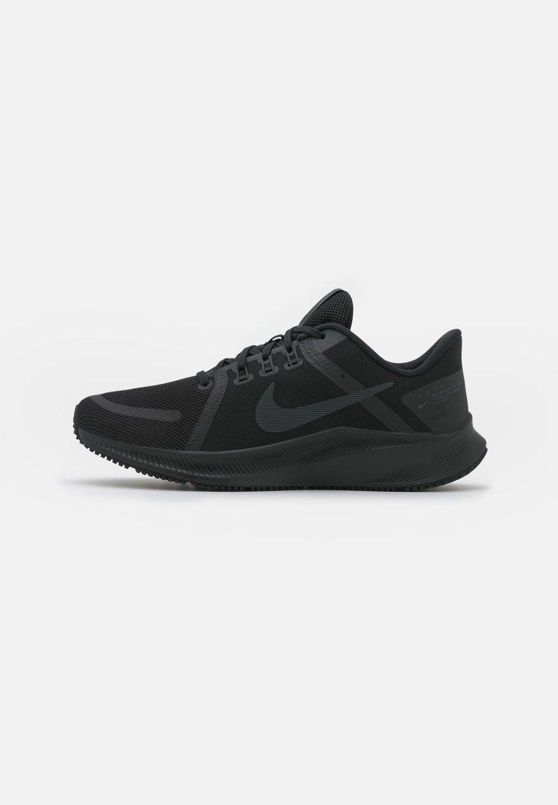 Nike Performance - QUEST 4 - Obuwie do biegania treningowe - black/dark smoke grey