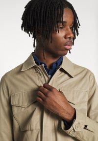 Burton Menswear London - POCKET SAFARI JACKET - Summer jacket - stone - 3