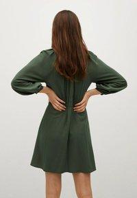 Mango - ROBE - Korte jurk - vert foncé - 2