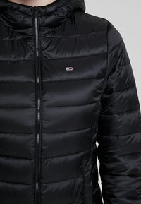 Tommy Jeans - QUILTED ZIP THRU - Light jacket - black - 5