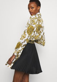 Versace Jeans Couture - SKIRT - A-line skirt - white/gold - 7