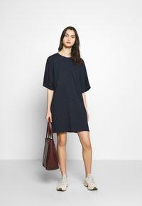 CALANDO - T-SHIRT DRESS - Jersey dress - dark blue - 1