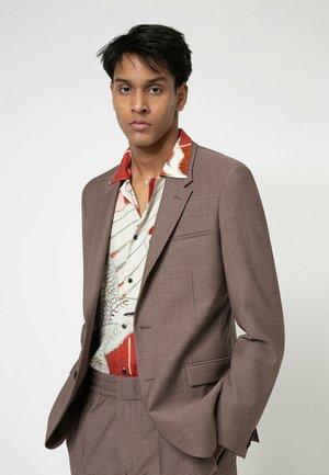 Suit - light brown