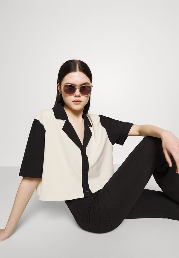 Fashion Union SMOOTH SHIRT - Bluzka - cream/black/piaskowy VZZU