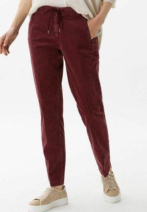 STYLE MAREEN - Trousers - raisin