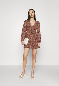 Missguided - ANIMAL WRAP PLUNGE SKATER DRESS - Day dress - rust - 1