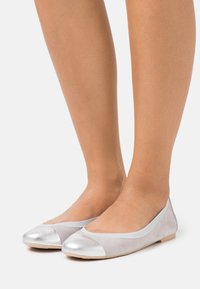 Pretty Ballerinas - AMI ANGELIS BETINA - Ballet pumps - plata/betina/fume - 0