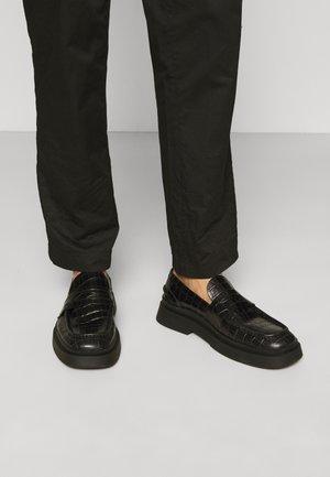 MIKE - Nazouvací boty - black