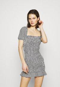 Guess - AIDA  - Shift dress - black/white - 0