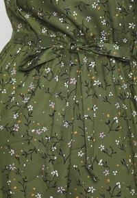 MAMALICIOUS - MLLEVETTA DRESS  - Abito a camicia - olivine - 5