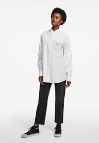 KARL LAGERFELD - LEGEND - Button-down blouse - white - 1