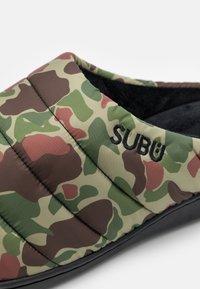 SUBU - SUBU SLIP ON - Klapki - olive/beige - 5