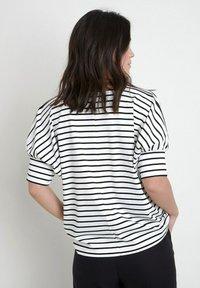 Maison 123 - Print T-shirt - noir - 2