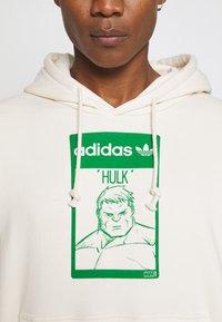 adidas Originals - HOODIE HULK WALT DISNEY ORIGINALS - Sweatshirt - off-white - 4
