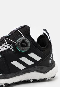 adidas Performance - TERREX AGRAVIC BOA RUNNING - Løpesko for mark - core black/crystal white/acid mint - 5