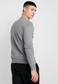Calvin Klein Jeans - SWEATER - Svetr - grey heather/black - 2