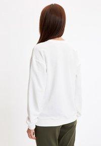 DeFacto - SWEATSHIRT - Sweatshirt - ecru - 2