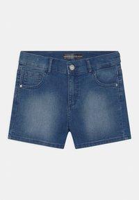 Guess - CORE JUNIOR - Denim shorts - super bright blue - 0