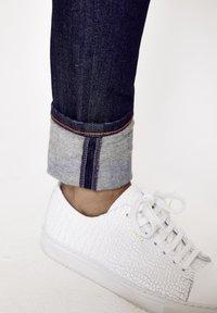 Five Fellas - GRACIA - Slim fit jeans - dunkelblau - 4